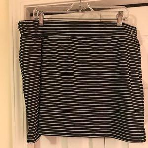 IZOD Golf Ladies Golf Skort XL. Worn/ washed once